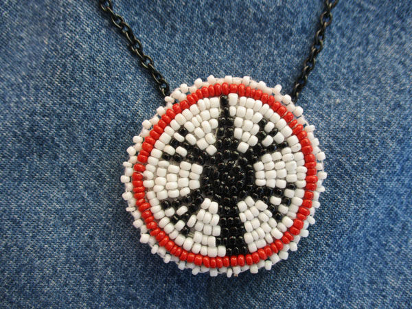 "052 Native American 1.5"" White-Red-Black Bead"